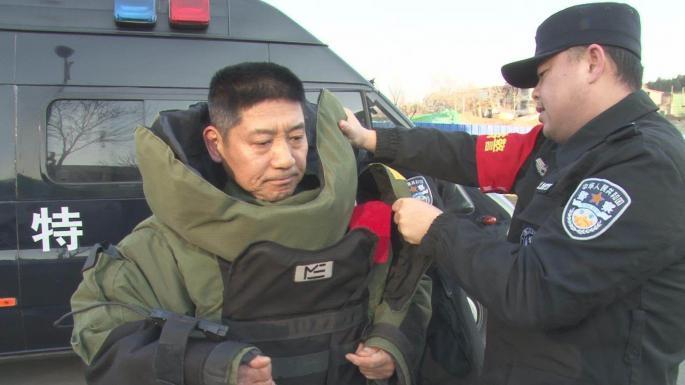 【中国梦实践者】排爆队长张保国:行走在刀尖上的舞者